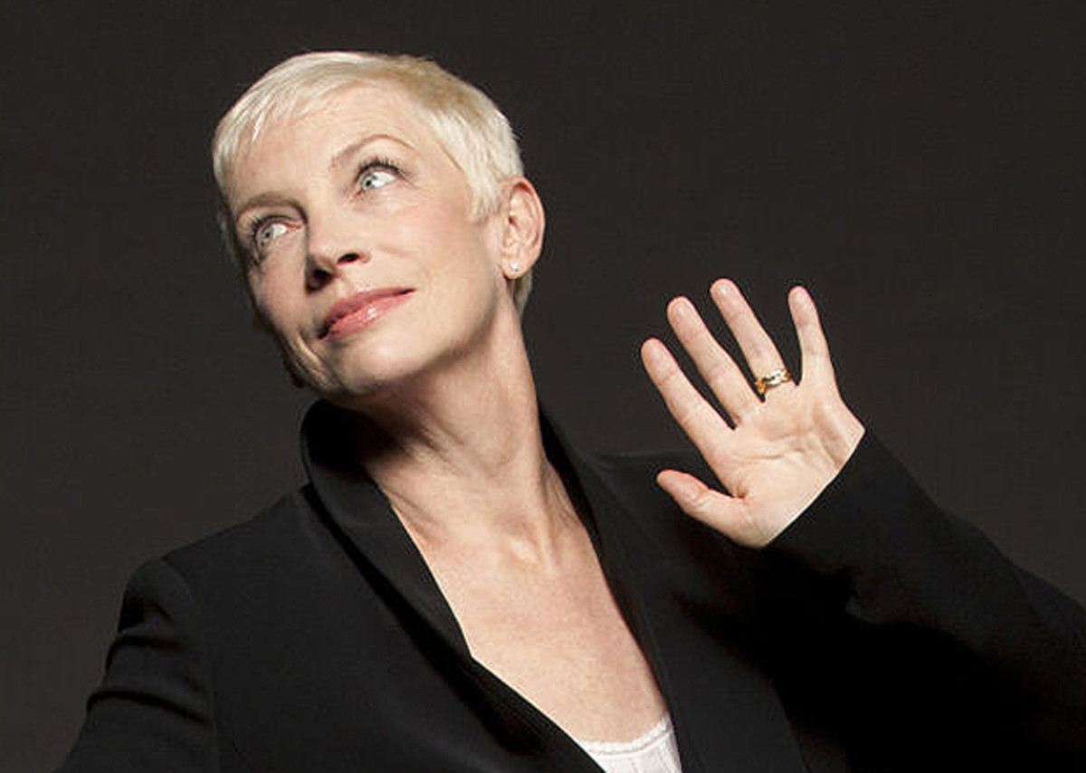 Annie Lennox_No crazy re-touching, please. Photo by Robert Sebree 2014-La Lennoxa ltd via elle.com: Music Has No Colour