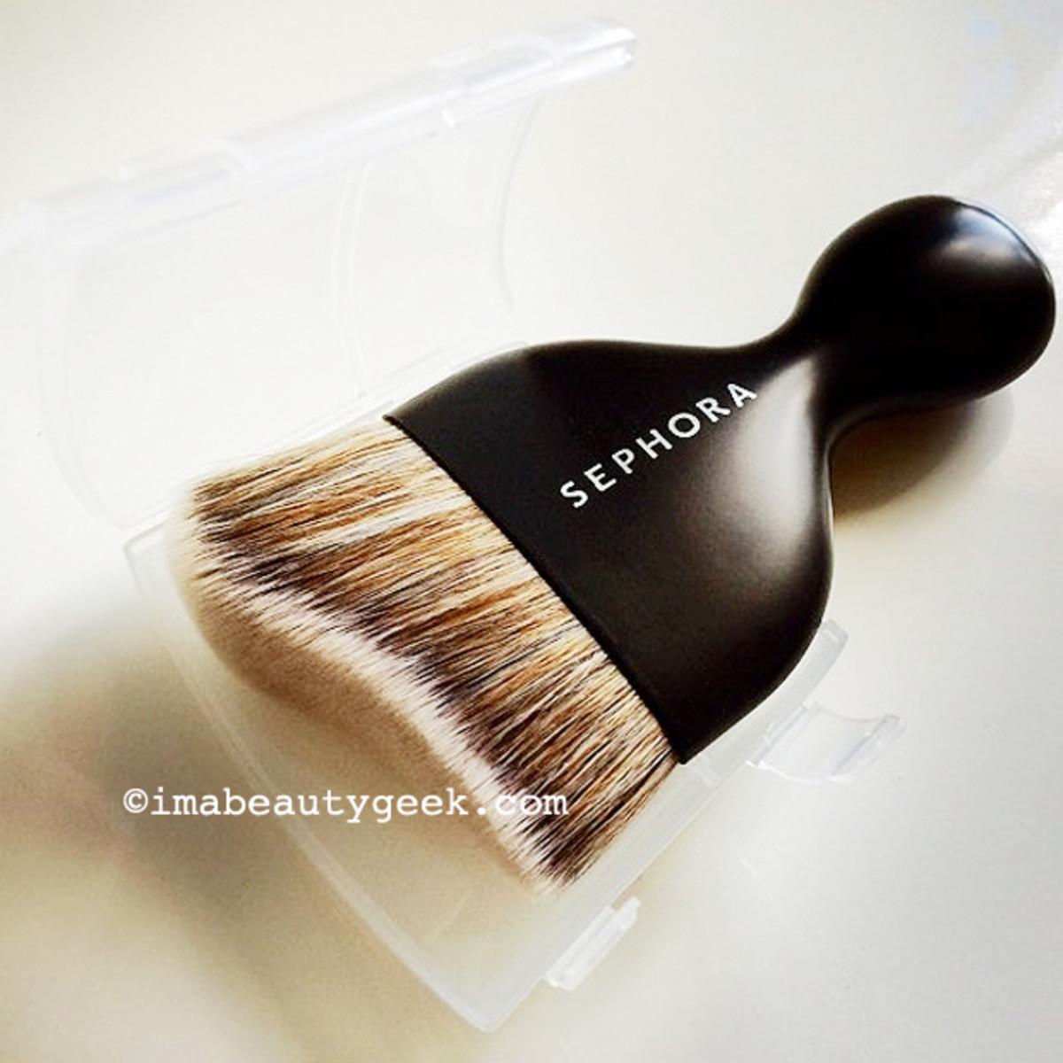 Sephora Pro Contour Kabuki makeup brush