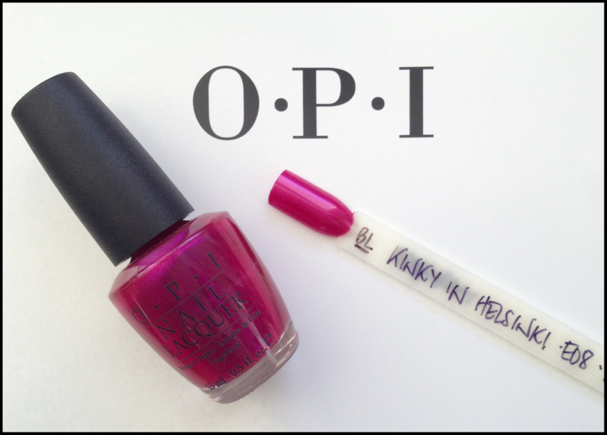 OPI Kinky in Helsinki Black Label OPI European Collection 2002_1