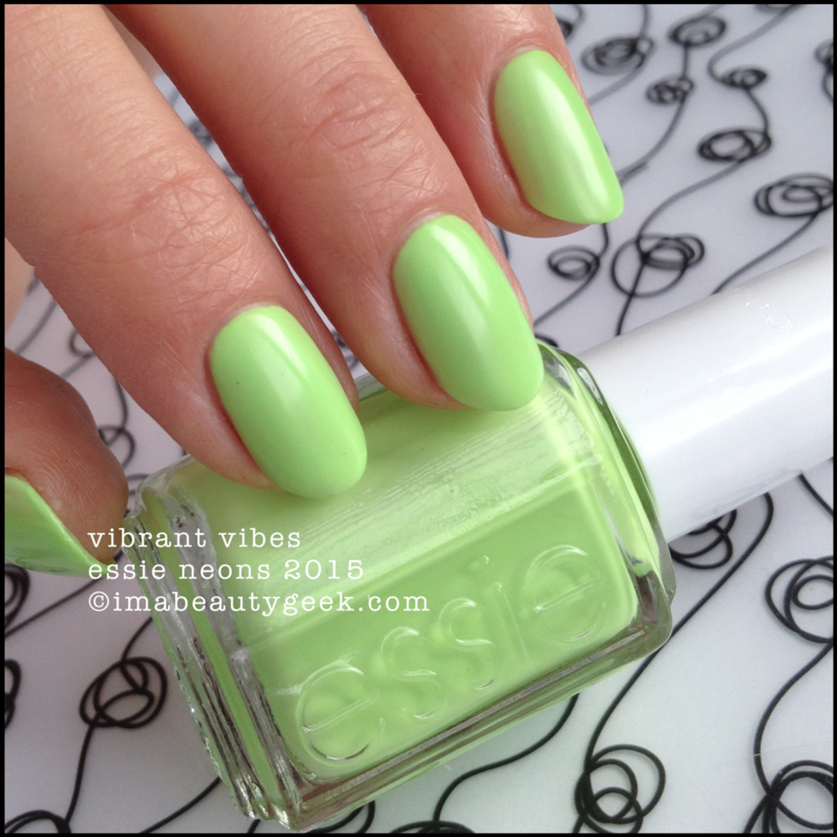 Essie Neon Collection 2015_Essie Vibrant Vibes Neon