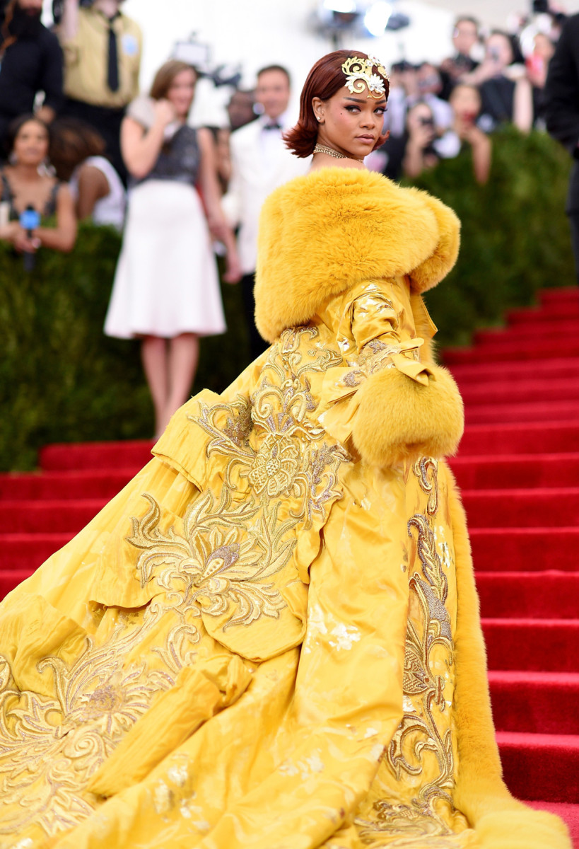 Rihanna in Guo Pei, 2015 Met Ball