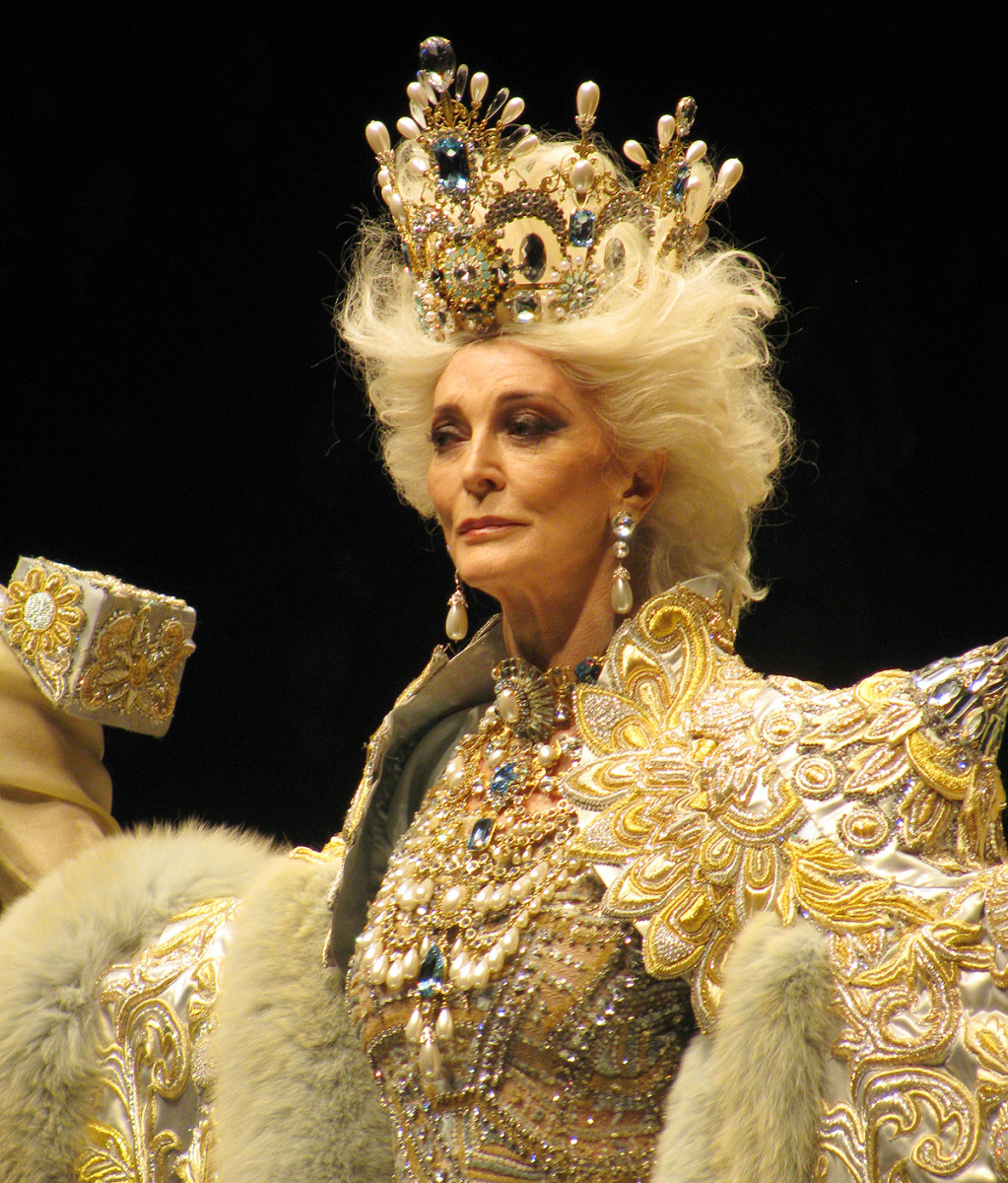 Carmen dell'Orefice in Guo Pei