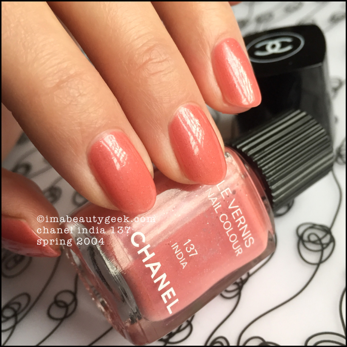 Chanel India 137 Le Vernis Nail Colour