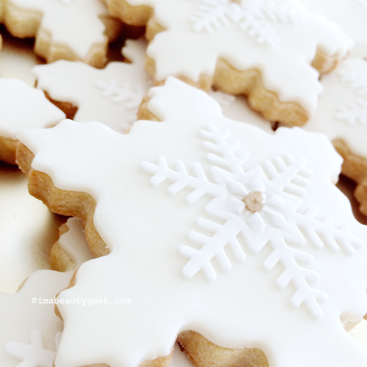 Snowflake cookies by Layercake