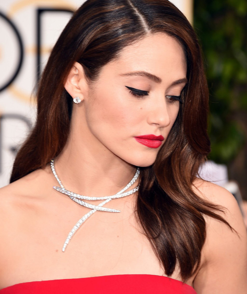Emmy Rossum at the 2016 Golden Globes: makeup by Jo Baker.