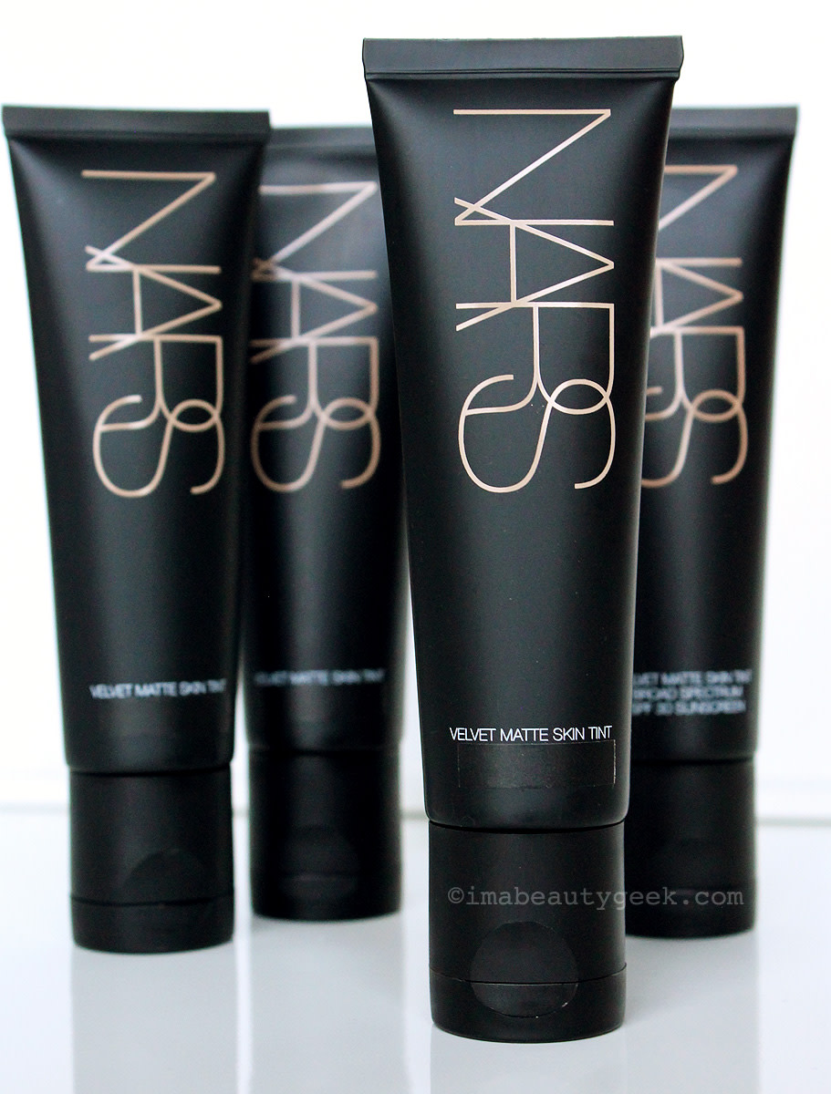 NARS Velvet Matte Skin Tint – SPF 30 in the US; same formula in Canada but not indicated on label