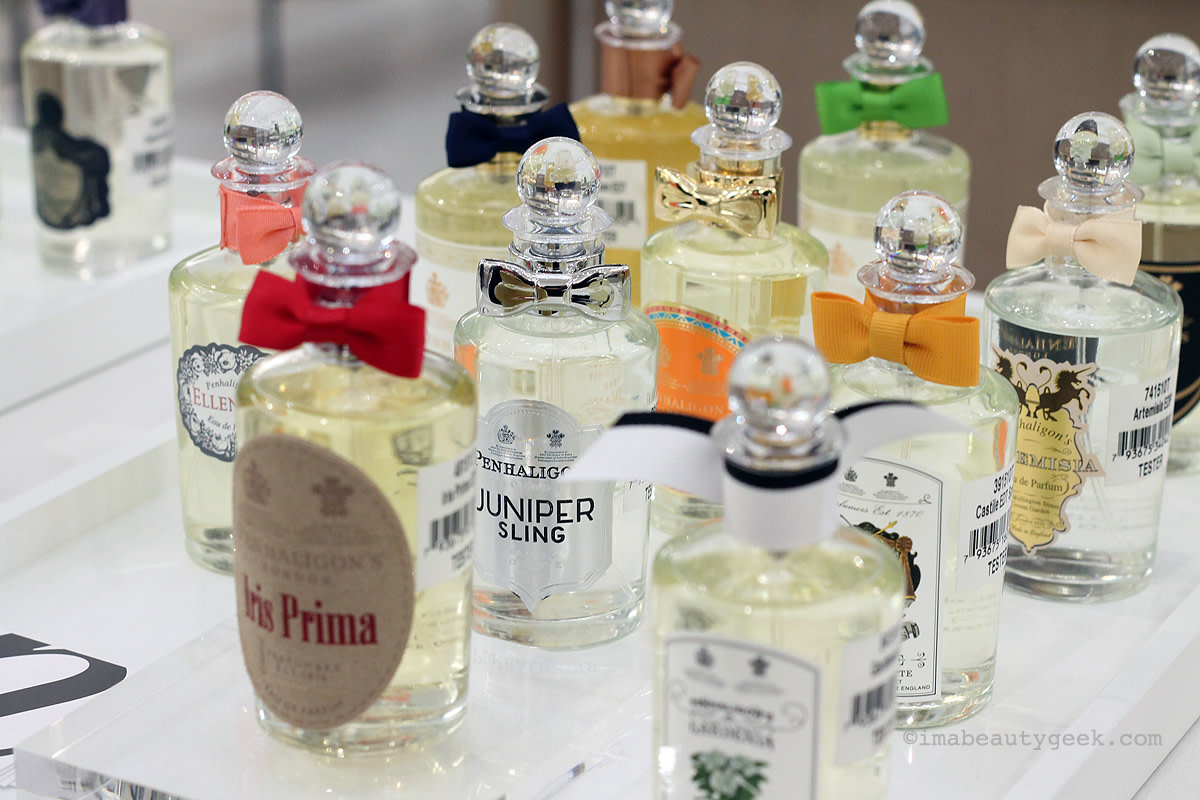See that Penhaligon's Juniper Sling peeping out in the second row? I wear that.
