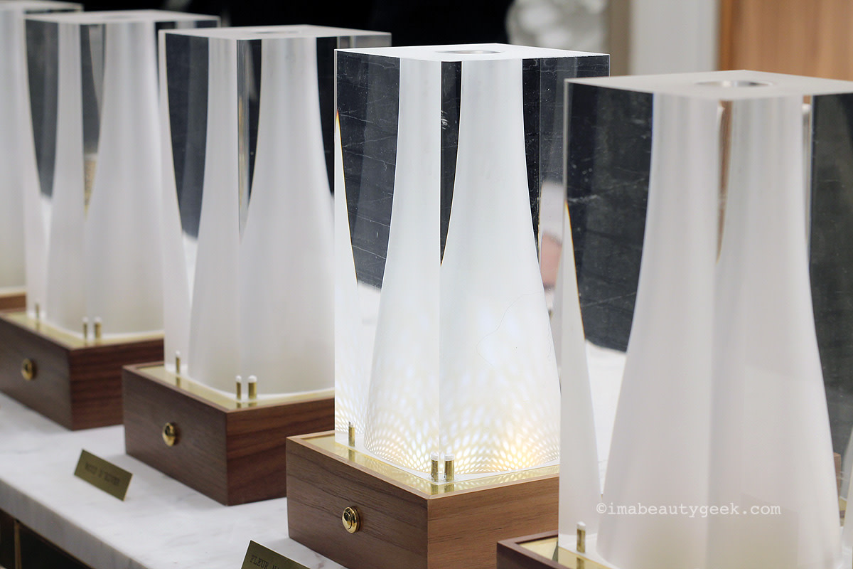 Elegant Ex Nihilo vases de senteurs allow you to smell each fragrance perfectly one after the other without overloading your senses