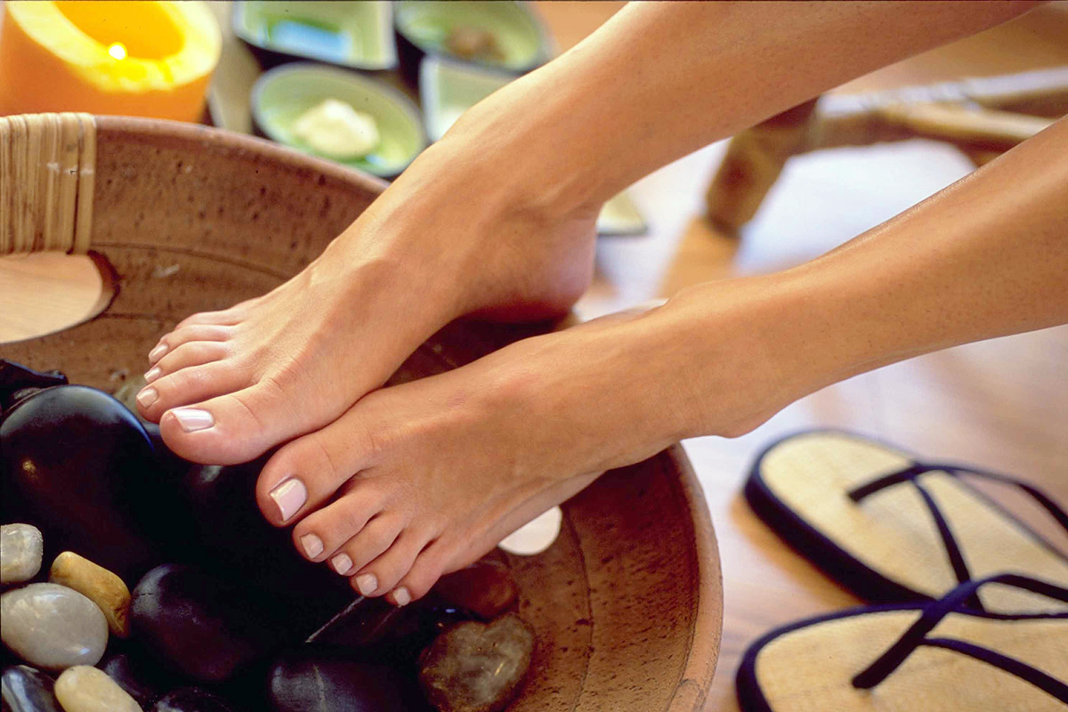 """Liza's DIY """"methadone"""" pedicure doesn't take place in an environment like this... but it could."""