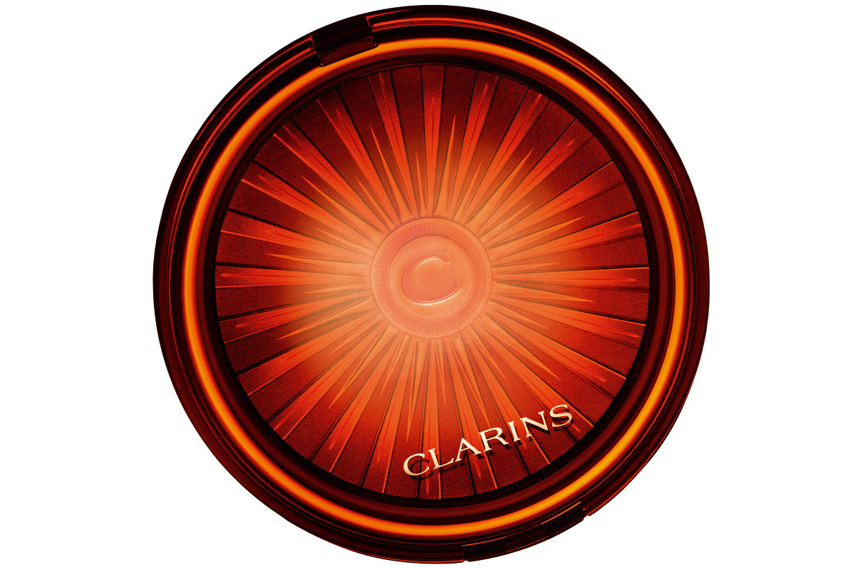 Clarins Bronzing & Blush Compact – isn't it gorgeous even closed?