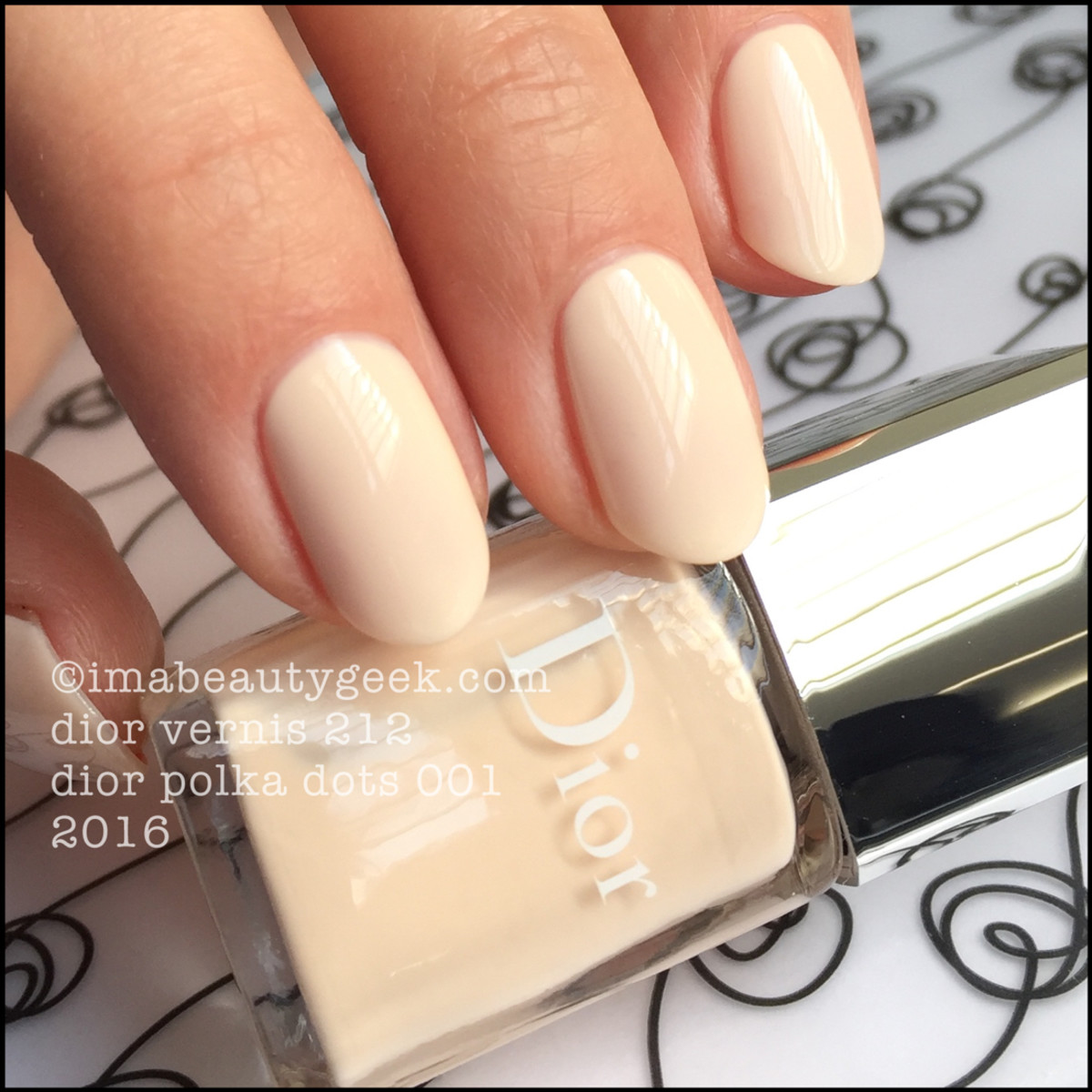 Dior Polka Dots 001_Dior Vernis 212 Summer 2016