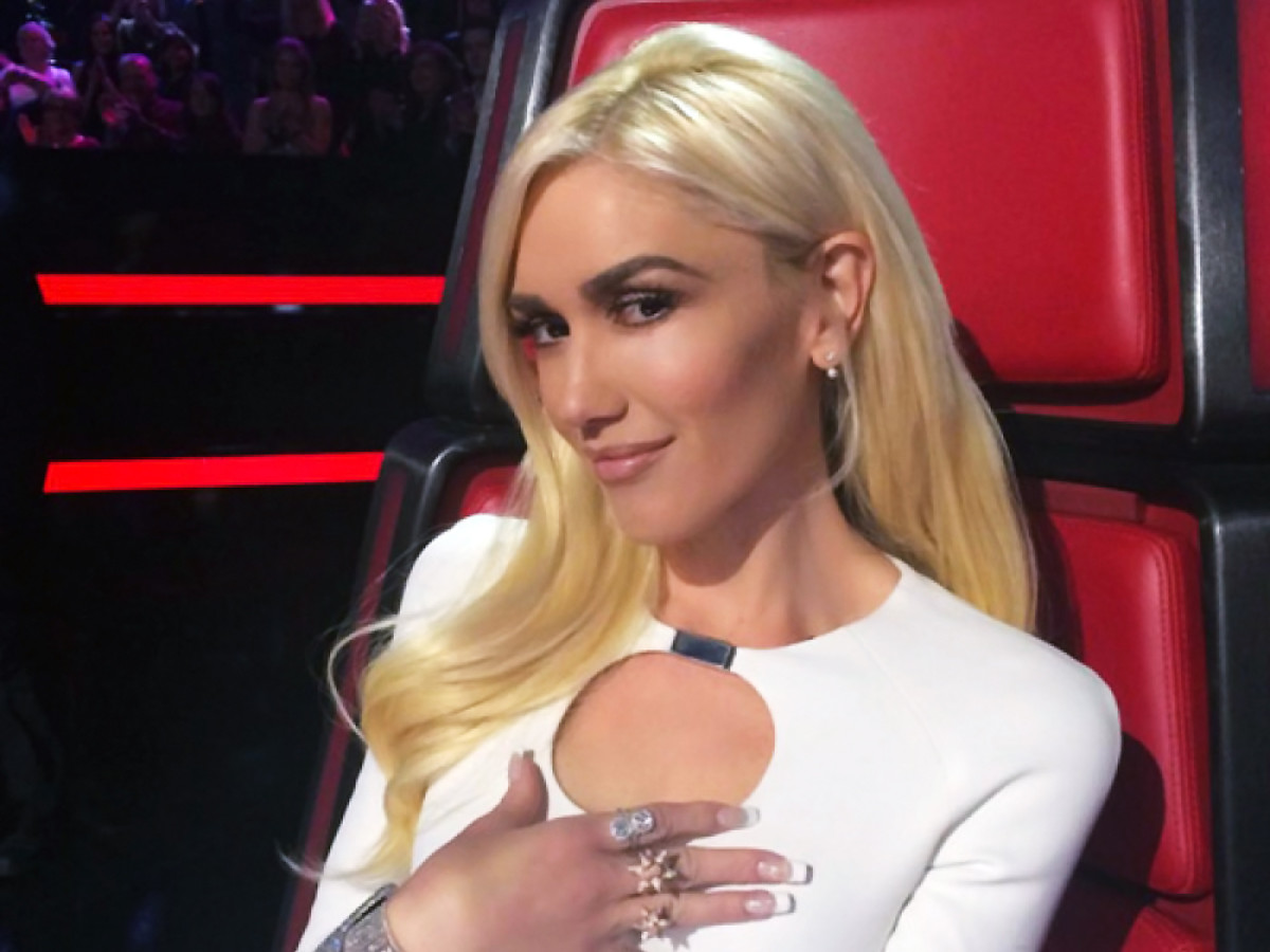 Gwen Stefani nude lips on The Voice. Love.