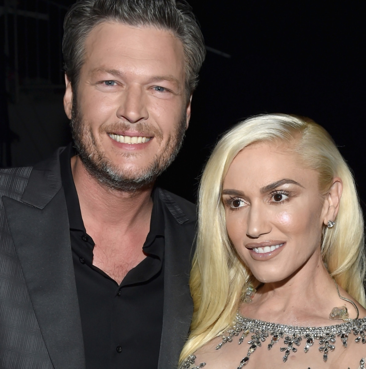 Gwen Stefani makeup at the 2016 Billboard Music Awards with Blake Shelton