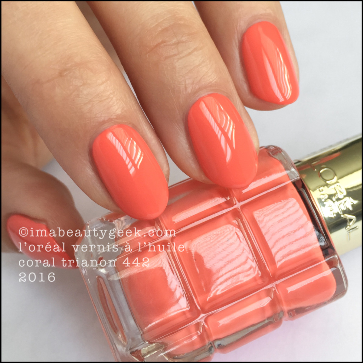 LOreal Vernis a LHuile Nail Polish Swatches_LOreal Coral Trianon 442 2016