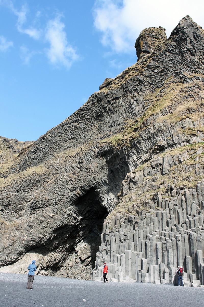 Reynisfjall_Hàlsanefshellir cavern_south Iceland. Reykjavik Excursions.