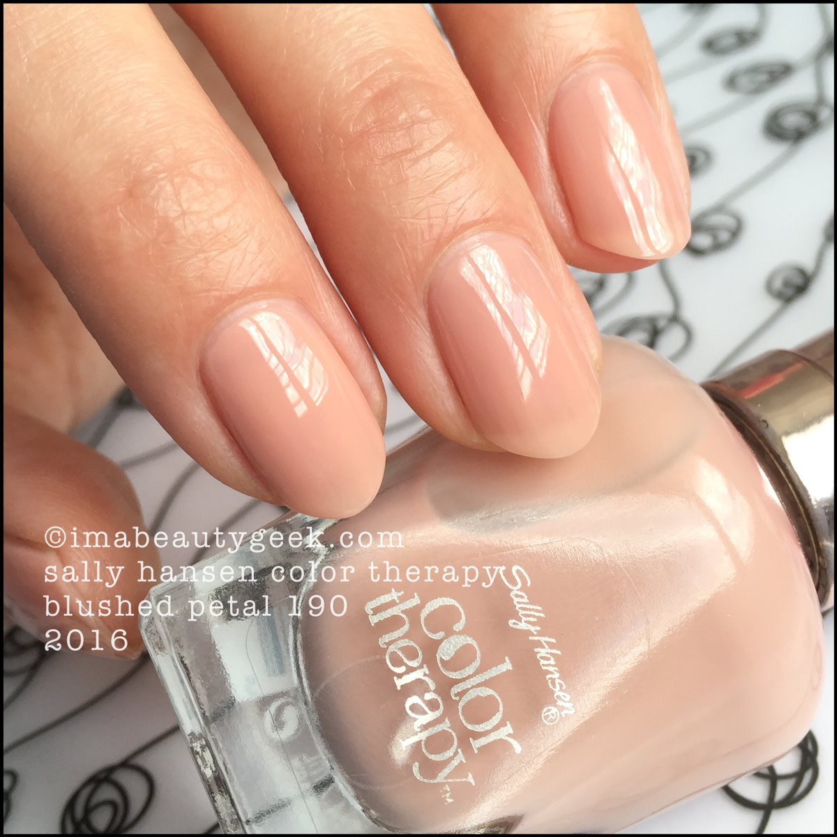 Sally Hansen Color Therapy Blushed Petal 190_Sally Hansen Color Therapy Review Swatches