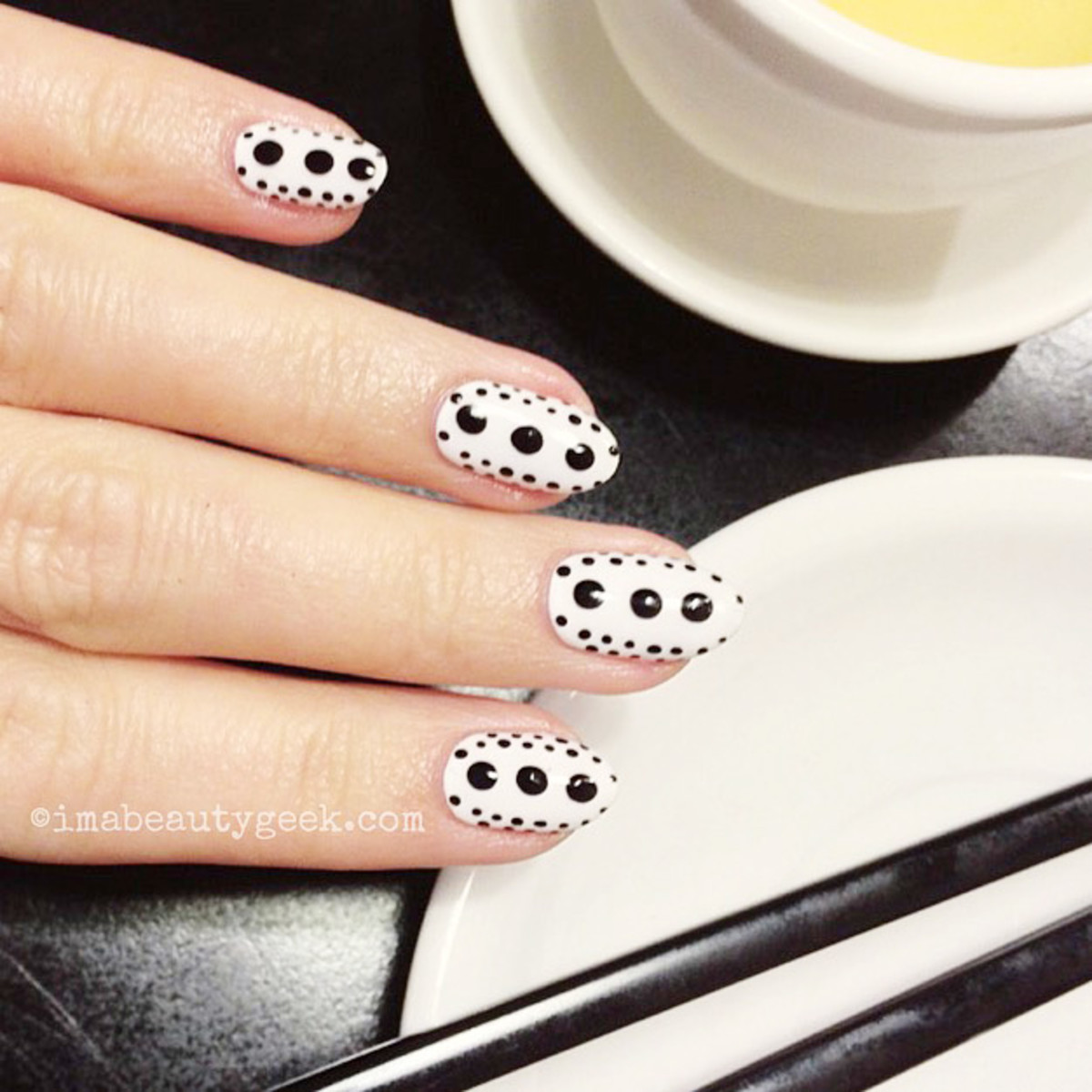 nail trends_playful dotted mani by Oksana Fedio