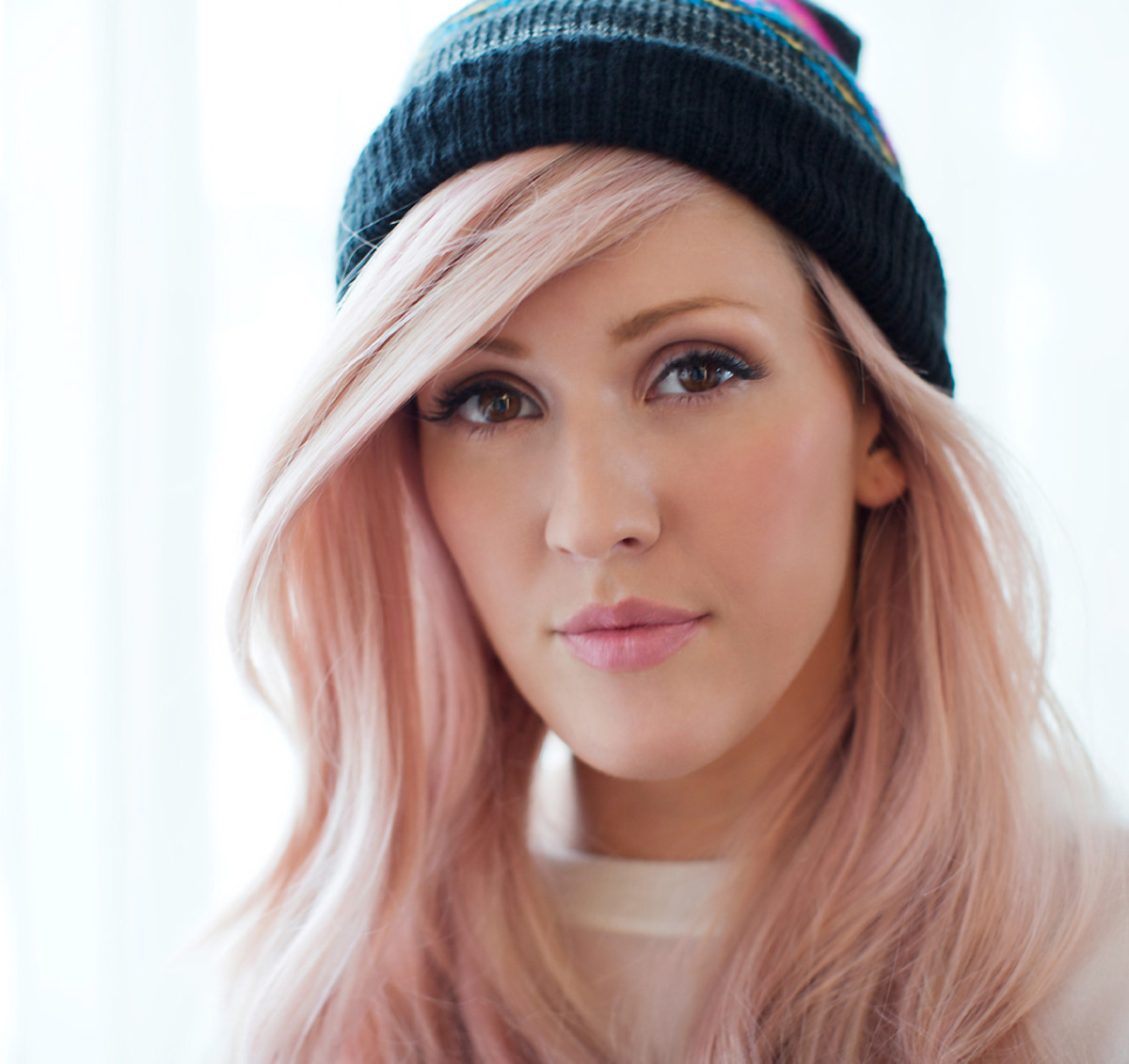 mac ellie goulding_ellie in pinkwashed hair and a cap