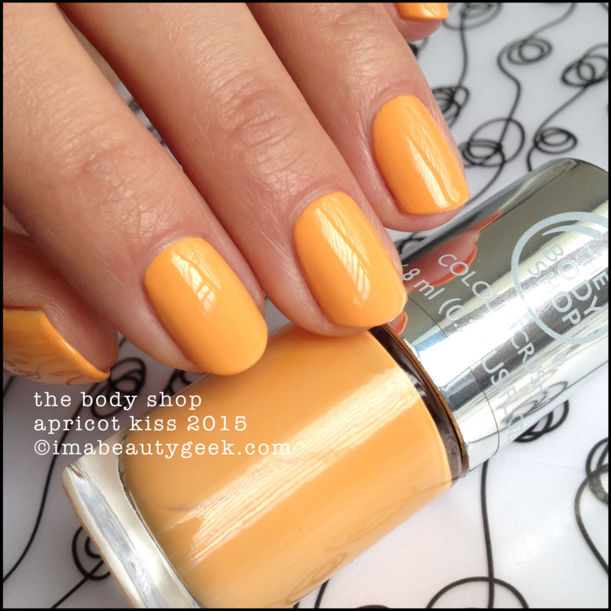 The Body Shop Apricot Kiss Nail Polish Colour Crush