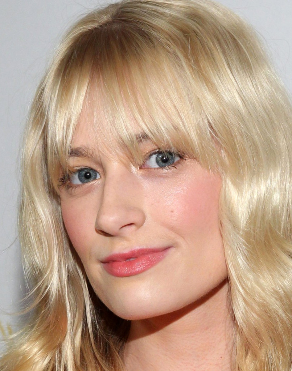 Beth Behrs makeup_no false lashes ingenue