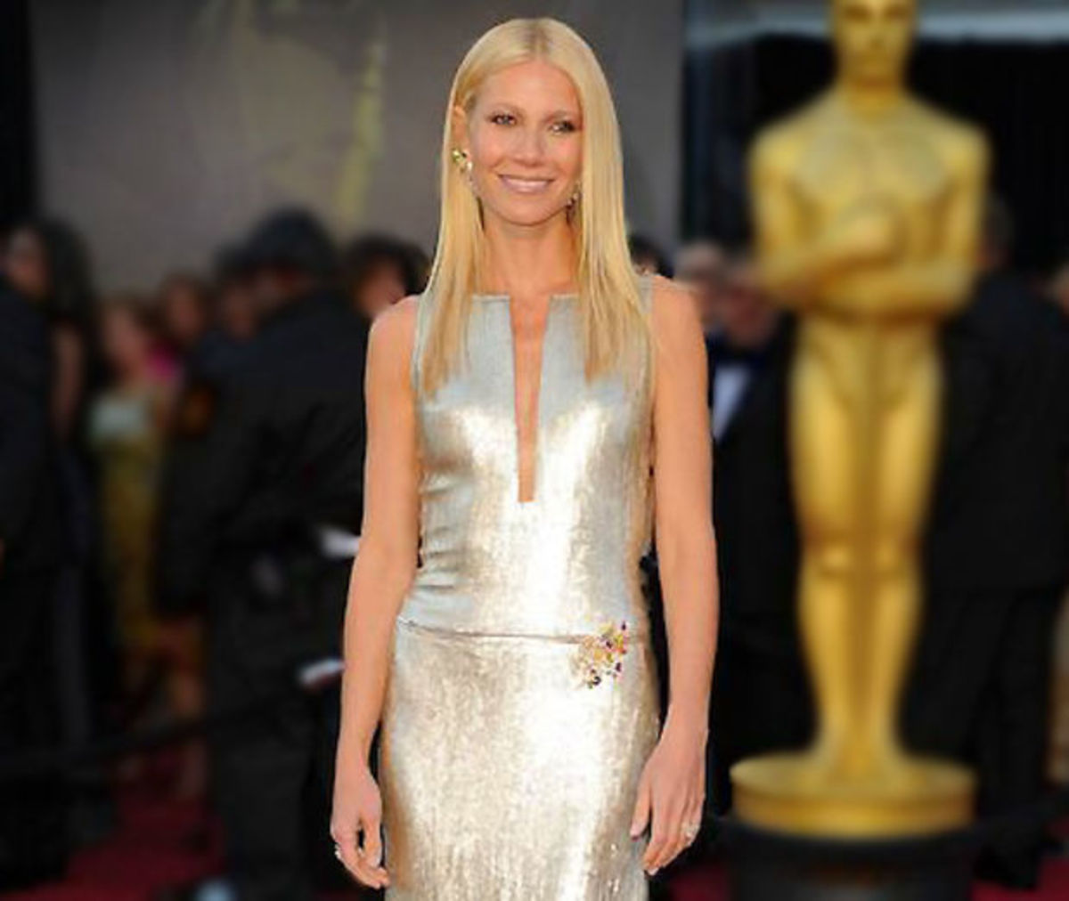 famous fake tan fails_gwyneth gets it right