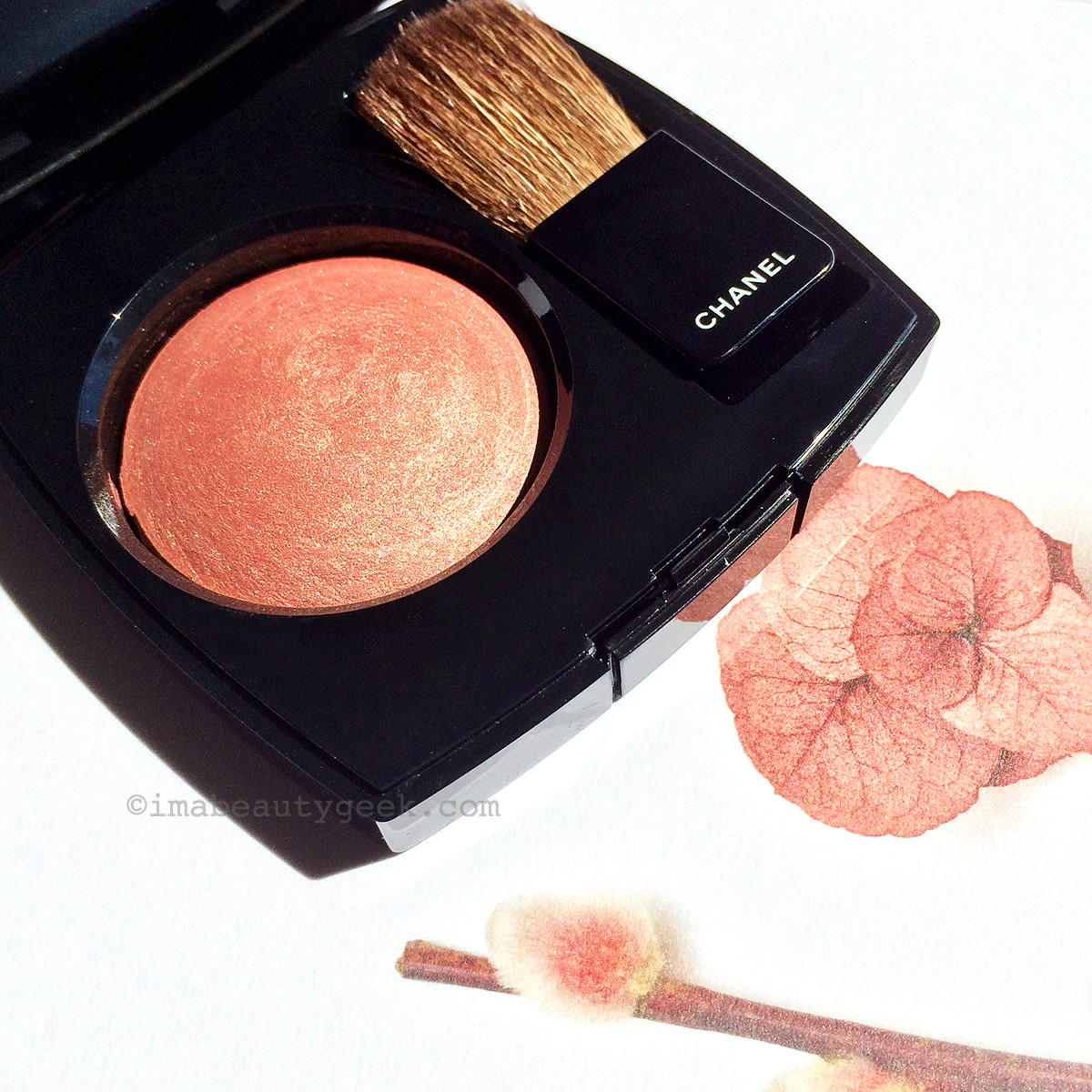 Chanel Fall 2015 makeup: Les Automnales collection, Joues Contraste blush in 260 Alezane