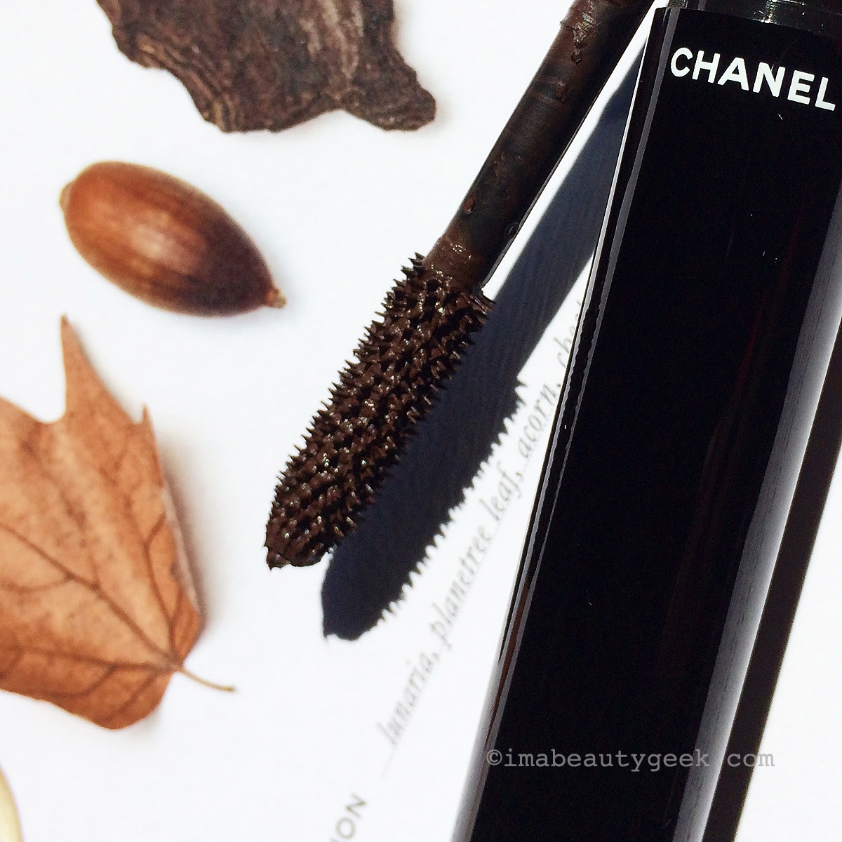 Chanel Fall 2015 makeup Les Automnales Collection Le Volume de Chanel mascara Ecorces