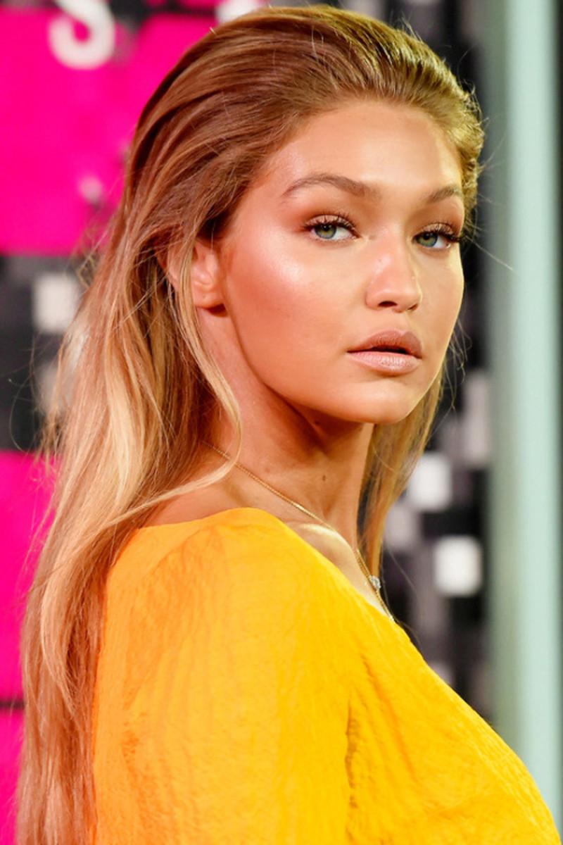 Gigi Hadid MTV VMAs makeup by Patrick Ta
