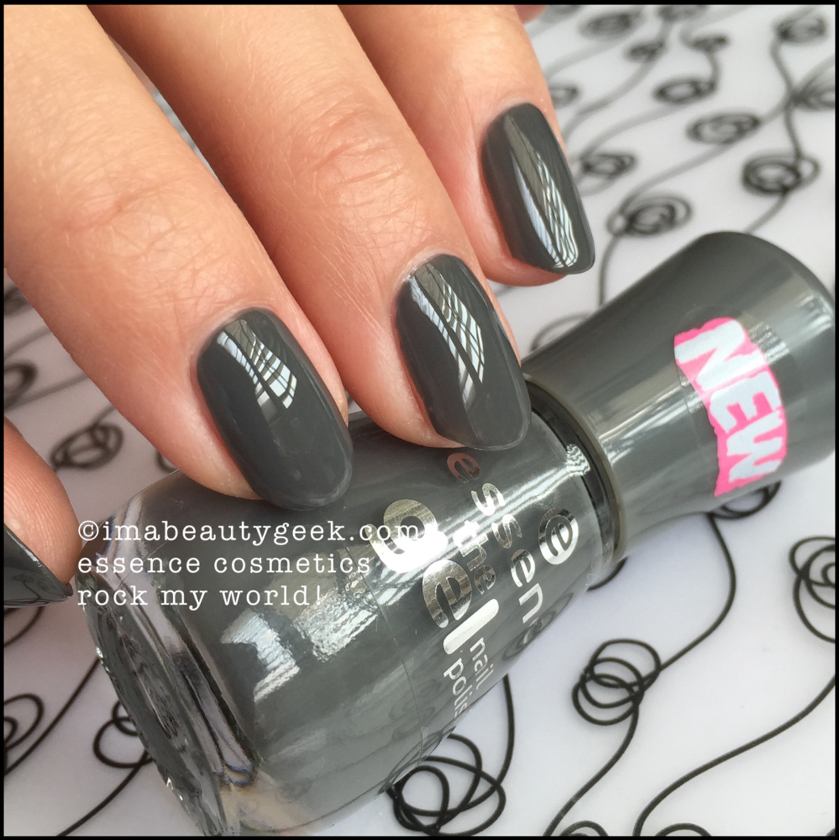Essence Nail Polish _ Essence Rock My World