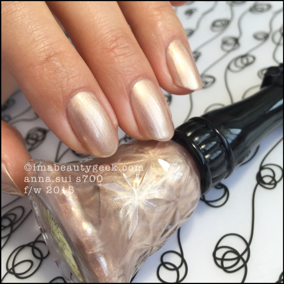 Anna Sui Nail Polish S700_Anna Sui Nail Color 2015