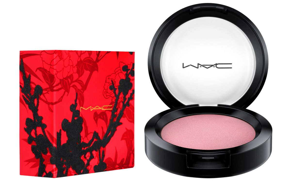MAC Year of the Rooster powder blush in Dame