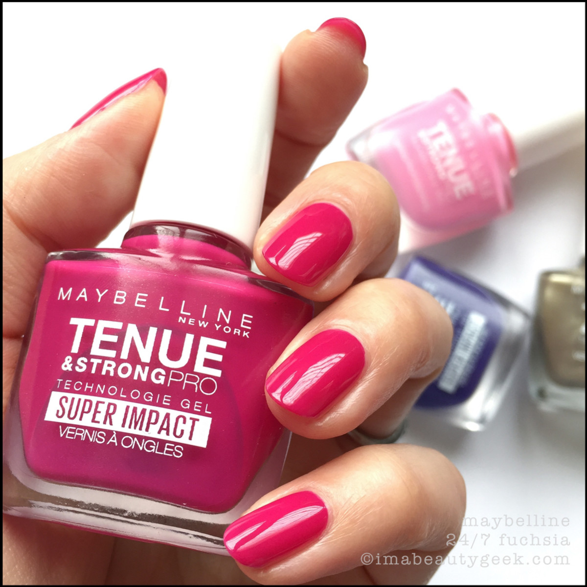 Maybelline 24/7 Fuchsia Tenue Strong Pro Nail Polish