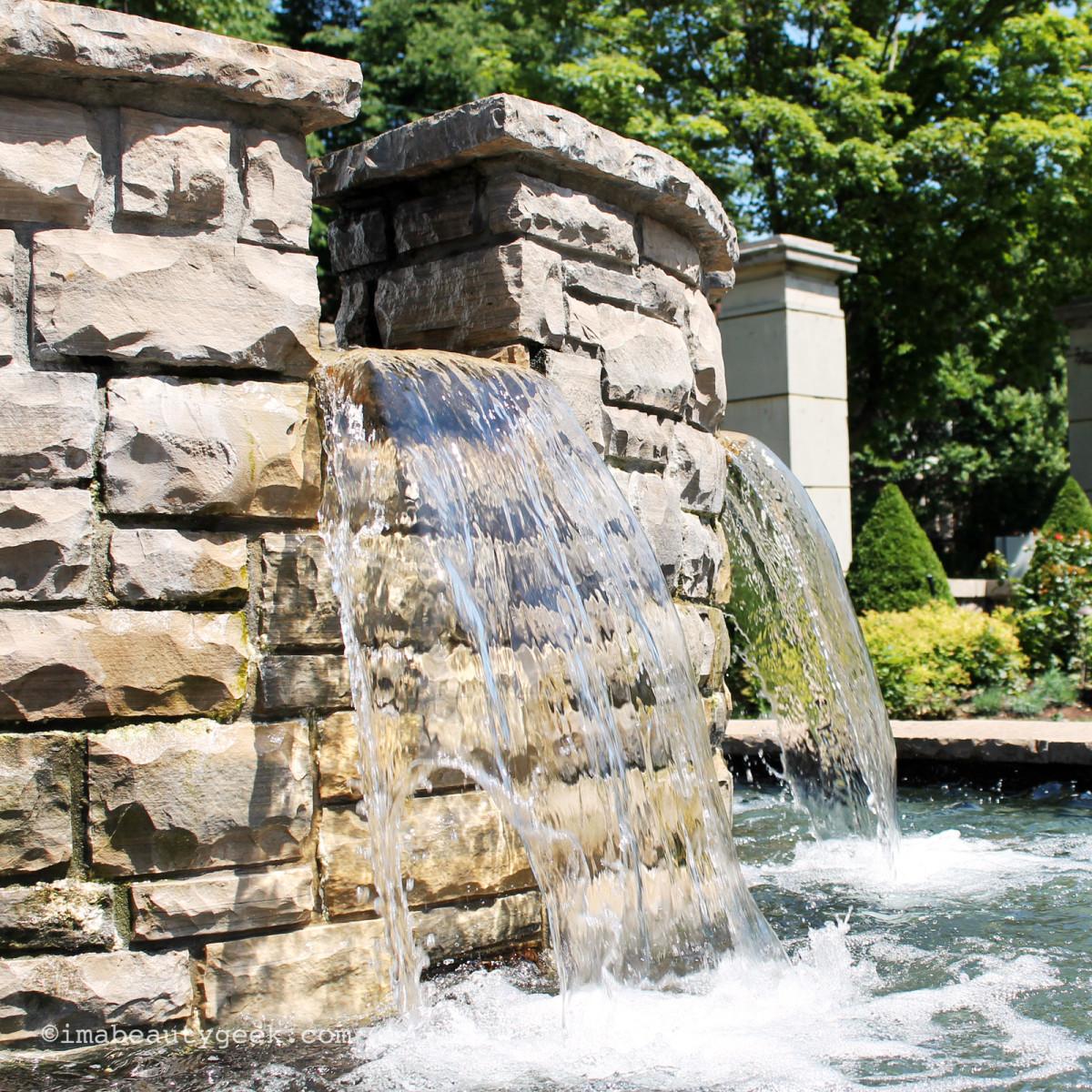 best facial mists for summer_casa loma fountain