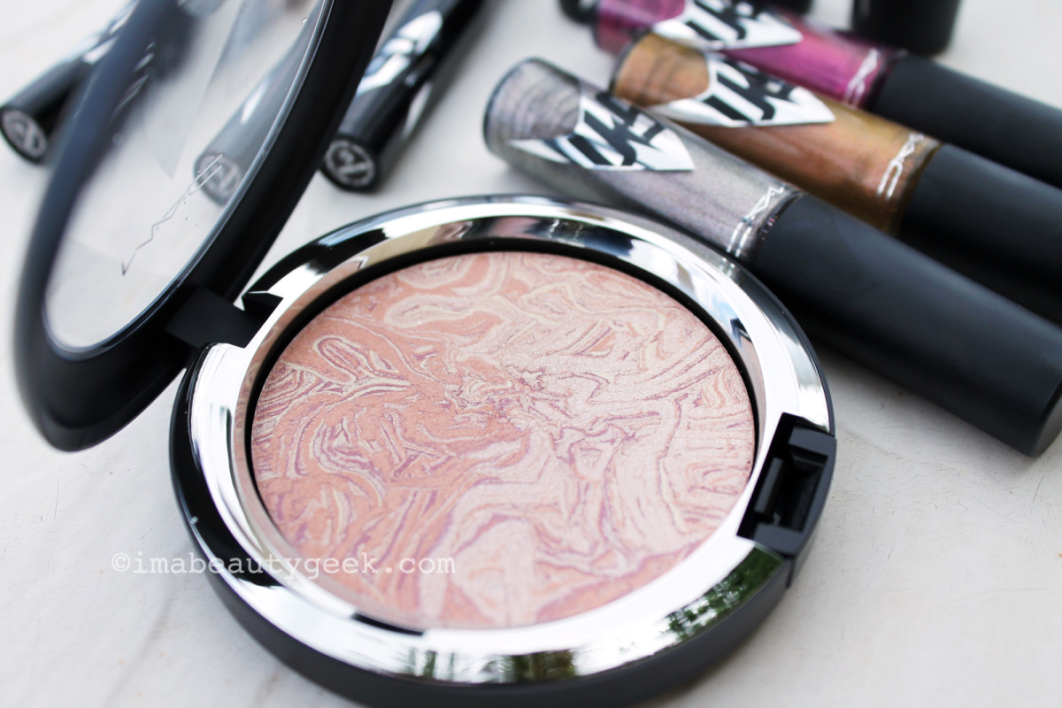 MAC Star Trek Trip the Light Fantastic Powder in Luna Luster