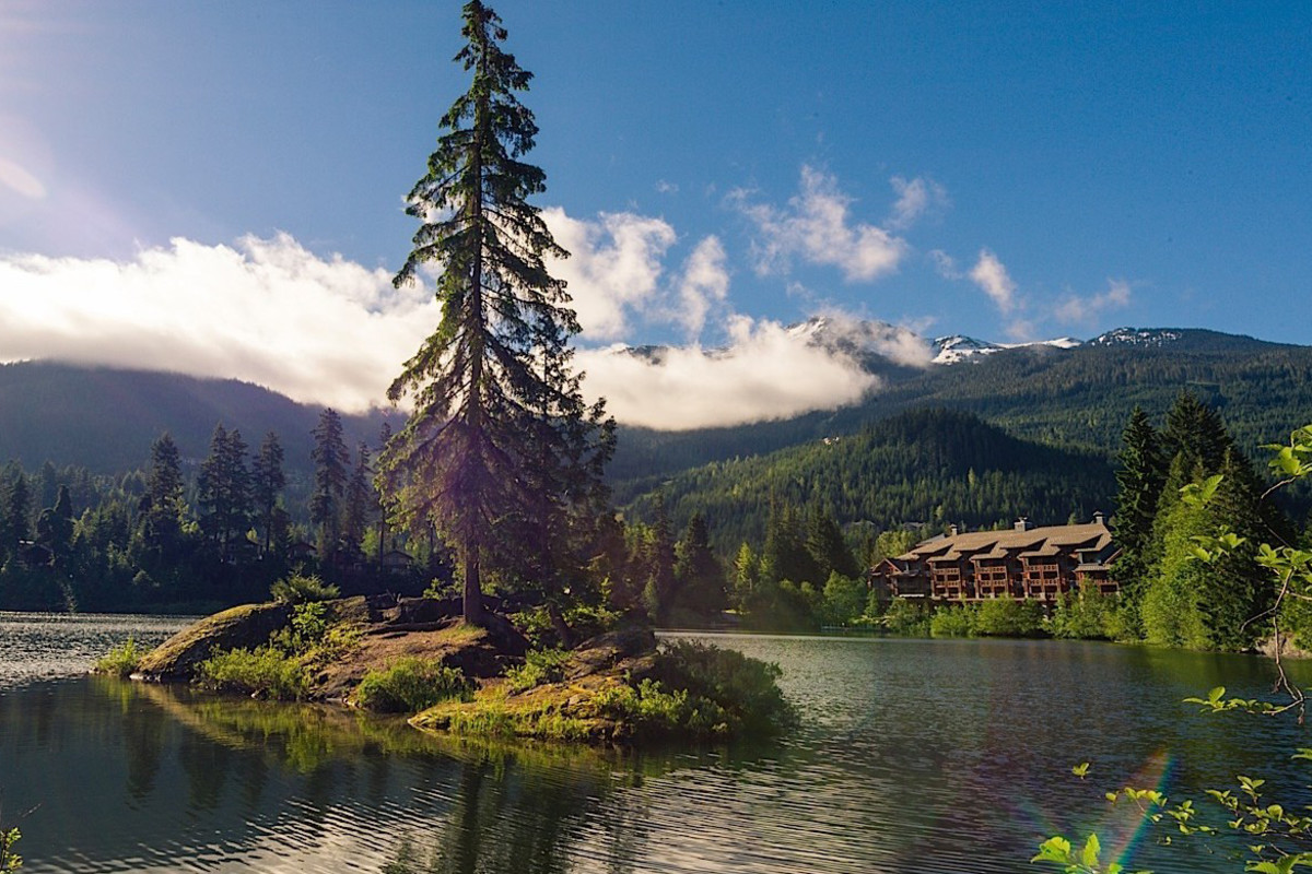 Nita Lake Lodge, Whistler, BC: imagine this with a thick blankie of sparkling white snow.