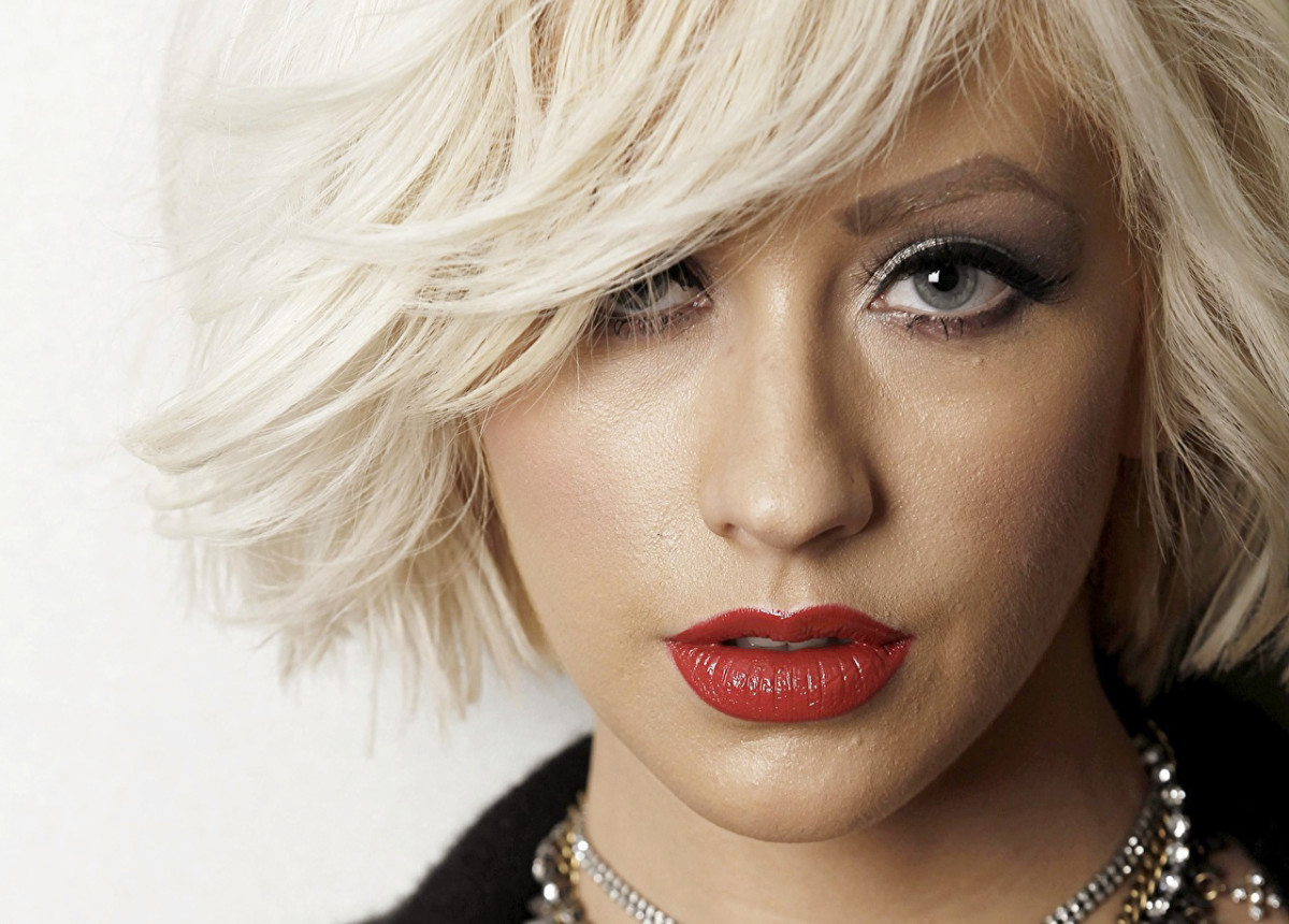 Christina Aguilera, short-hair-don't-care, 2009?