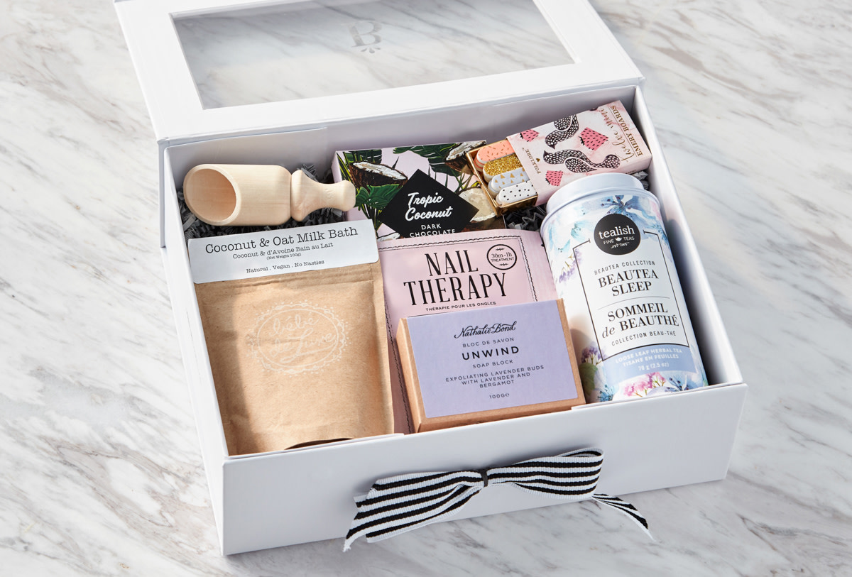 Baskits Unwind beauty box: ships to Canada and to the USA
