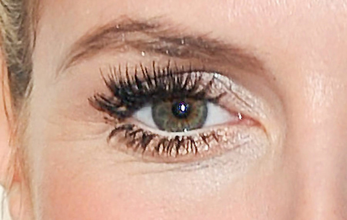 Heidi Klum eye makeup close-up: dem lower false lashes, tho