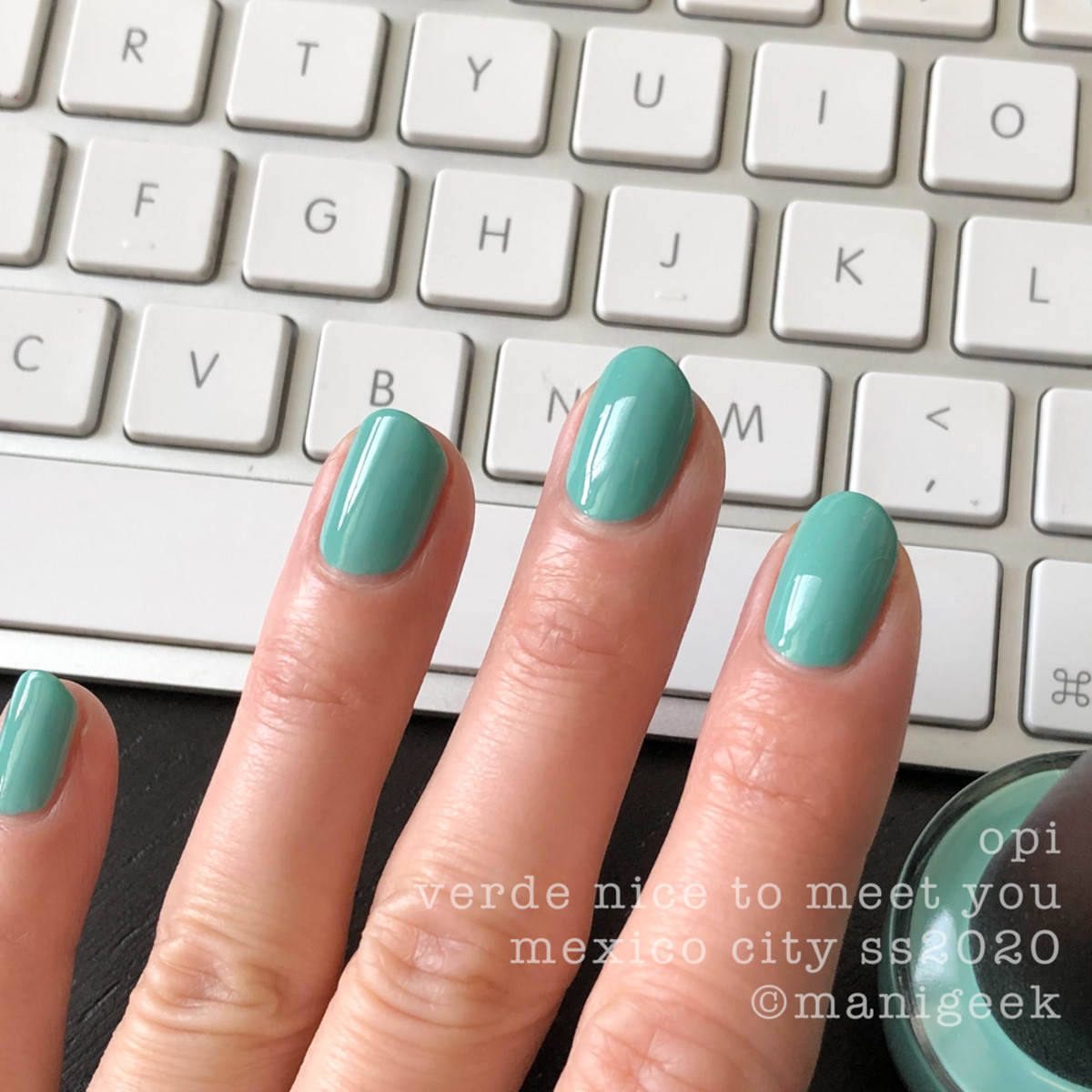 OPI Verde Nice To Meet You - OPI Mexico City Swatches Review 2020