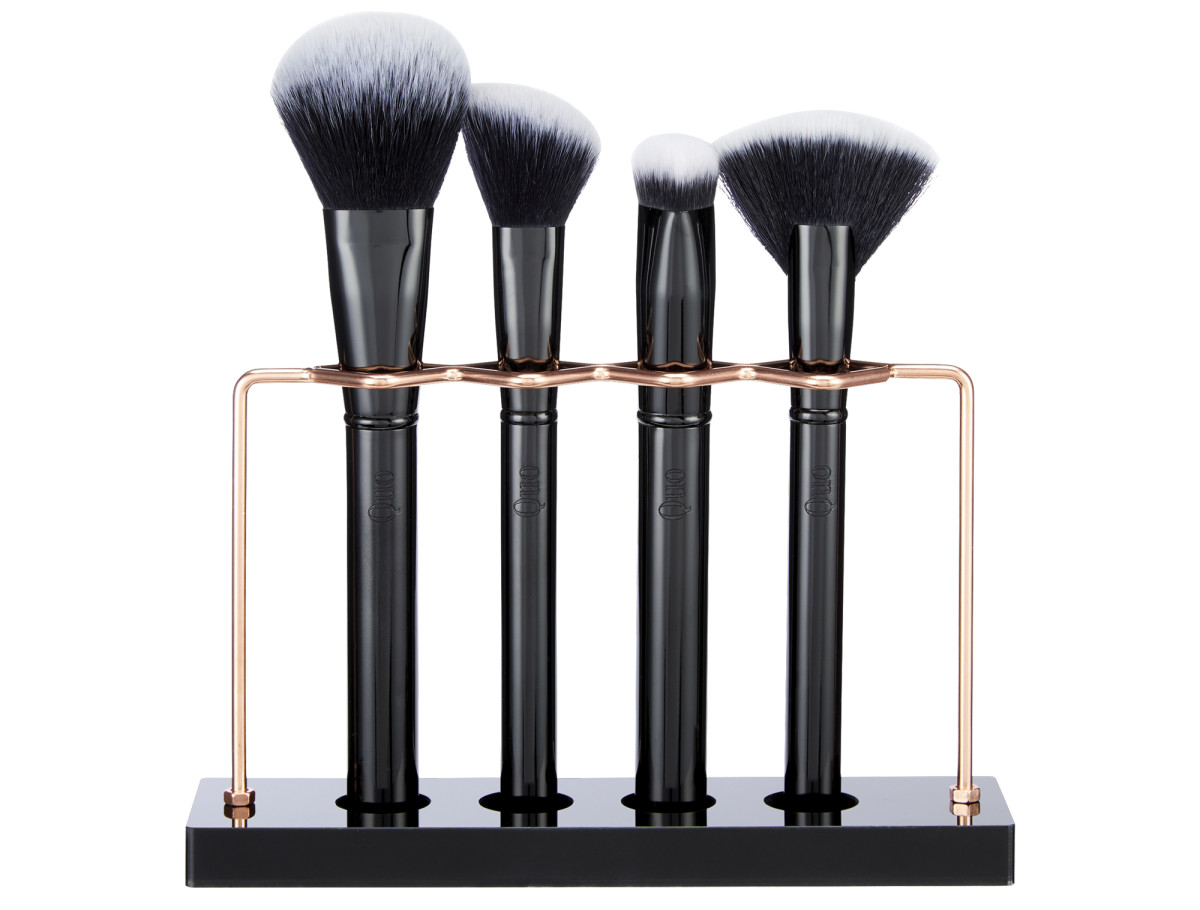 Quo Centre Stage cruelty-free makeup brush set